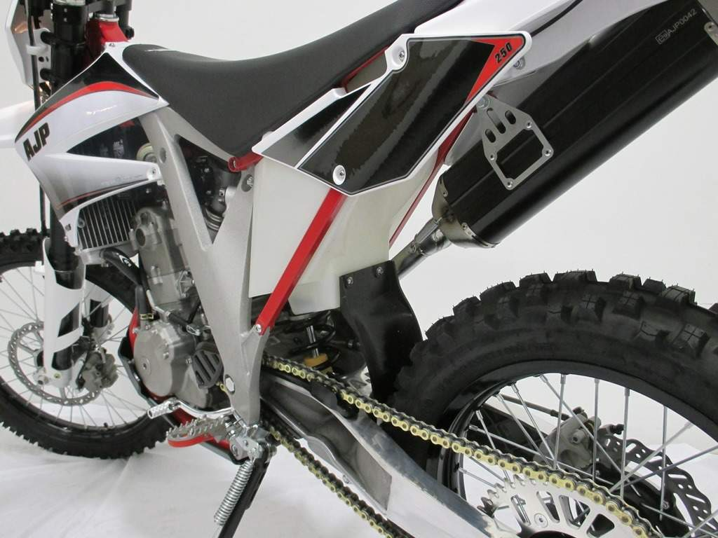 Мотоцикл AJP PR5 250 Enduro Trail Supermoto, Extreme 2013