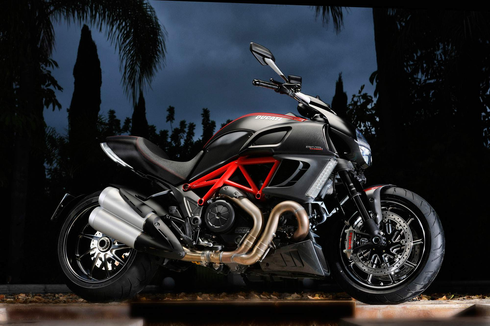 Мотоцикл Ducati Diavel Black Diamond 2011