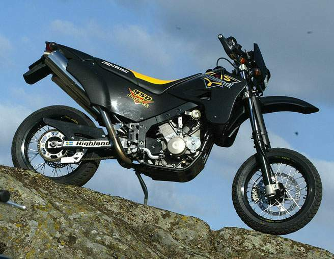 Мотоцикл Highland 950 V2 Super Motard 2003