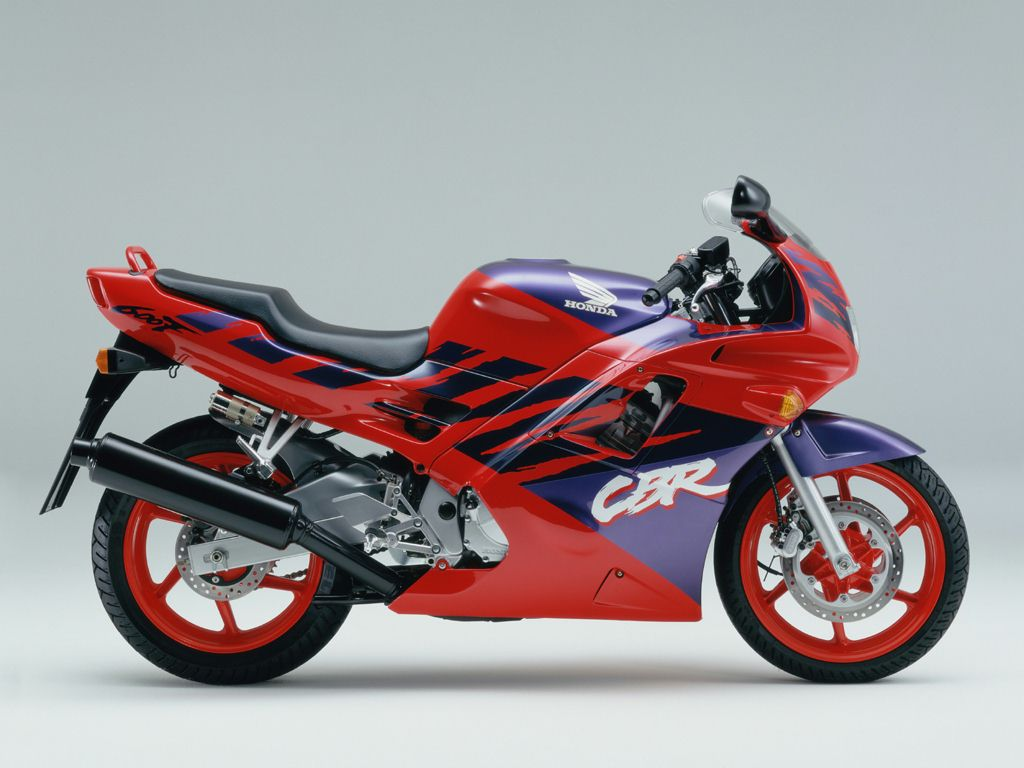 мотоцикл Honda Cbr 600 F 1993 описание фото запчасти цена тюнинг