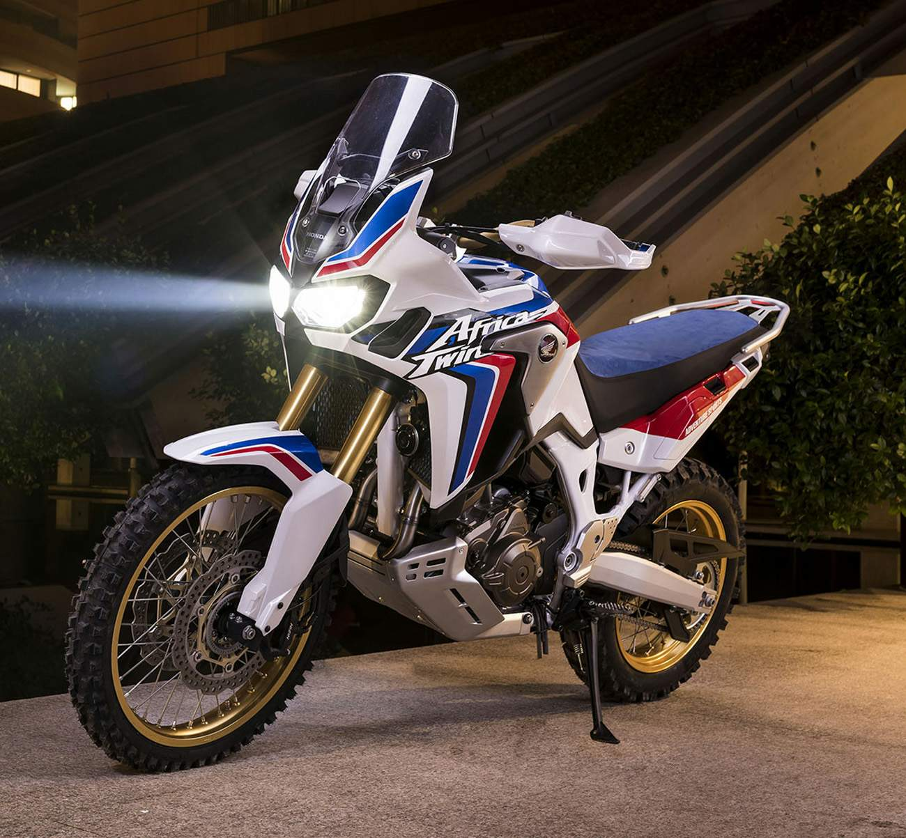 Мотоцикл Honda CRF 1000L Africa Twin Adventure Sports Concept 2016