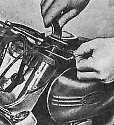 Монтаж штока амортизатора мотоцикла Ява