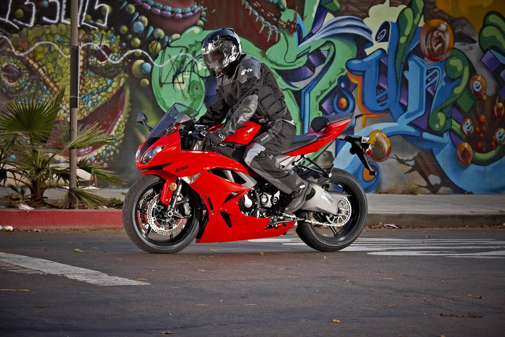 2010 Kawasaki Ninja ZX-6R   Top Speed