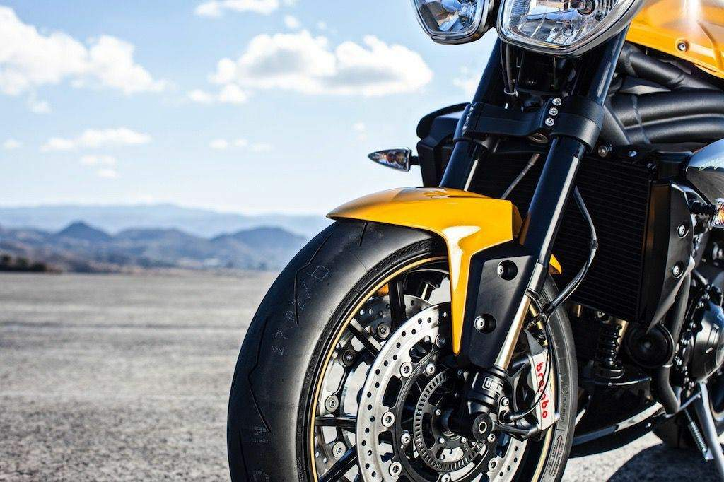 Мотоцикл Triumph Speed Triple 94R Special Edition 2015