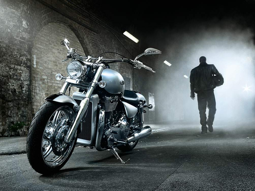 Мотоцикл Triumph Thunder bird 2012