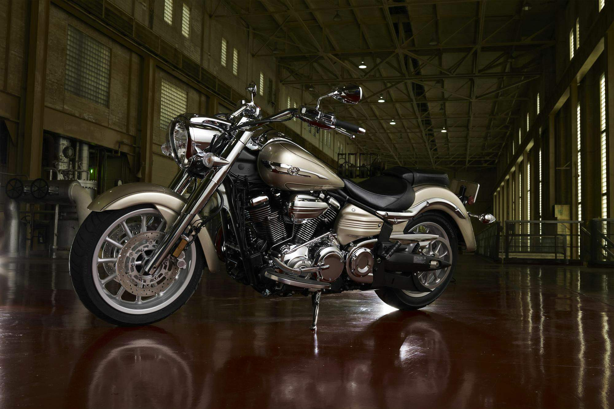 Мотоцикл Yamaha Star Roadliner S 2012
